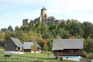 Presovsky kraj - turisti maju zaujem o hrady
